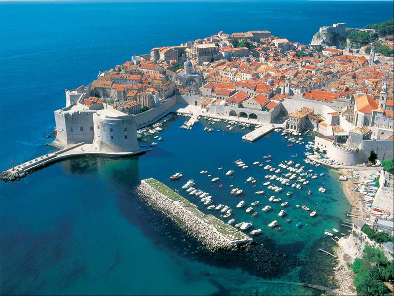 Дубровник, Шибеник, Сплит, Задар - вот лишь некоторые известные на весь мир курорт Хорватии