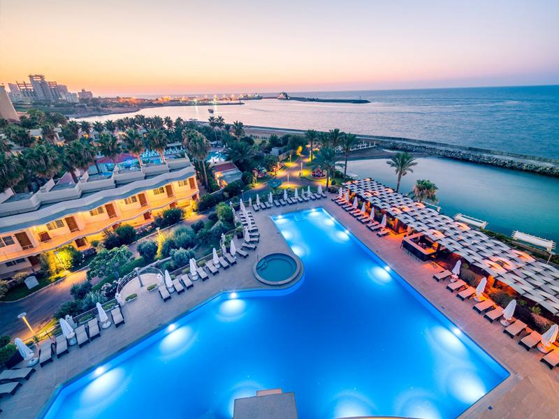 Кипр - остров, Черногория - нет