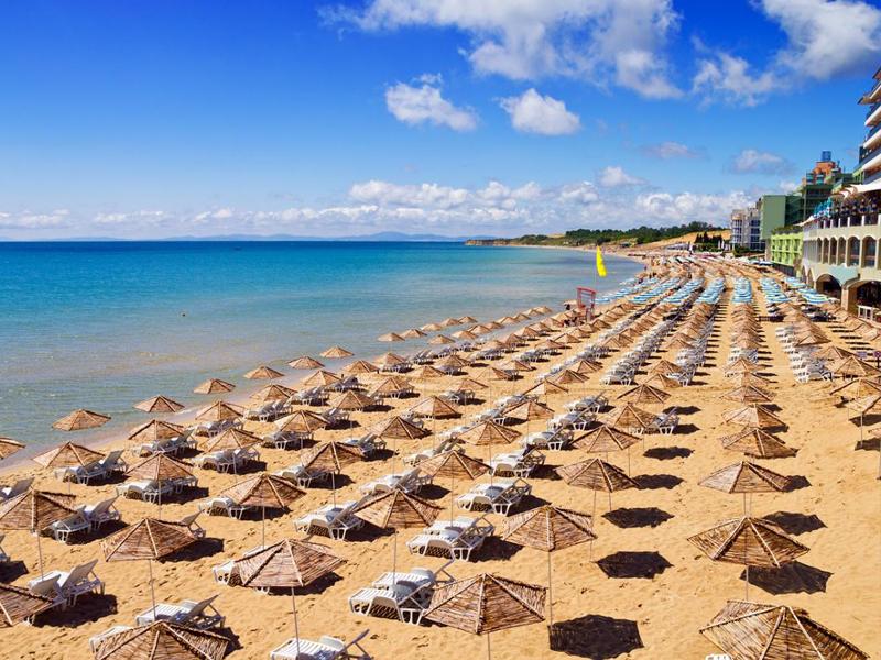Болгарские пляжи более песчаные