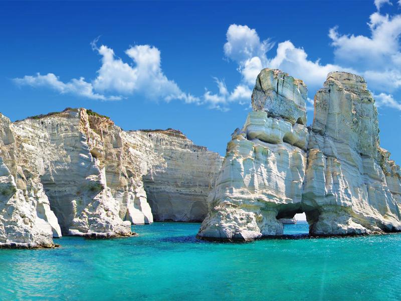 Грецию омывают несколько морей