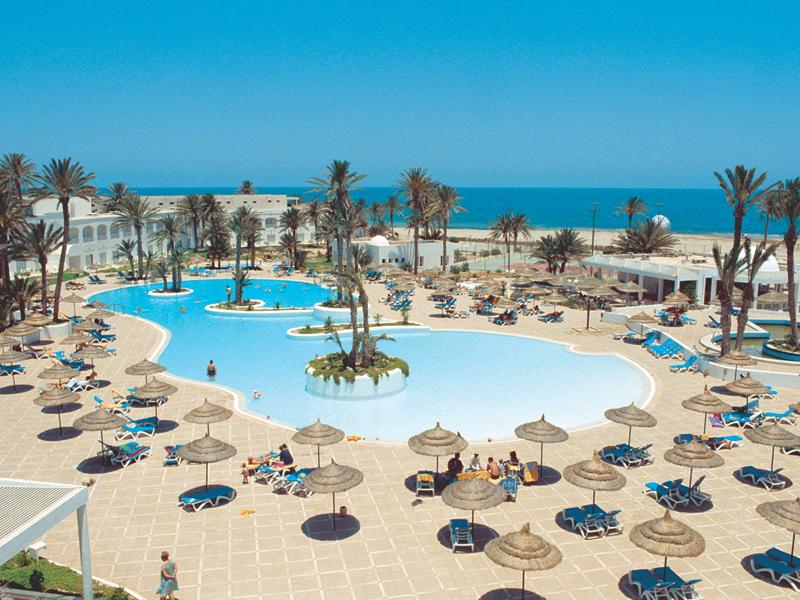 Отдых в Тунисе отличается от отдыха в Черногории