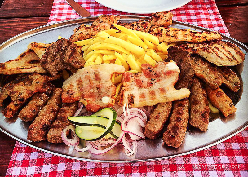 Мясо в Черногории вкусное, а стоит недорого