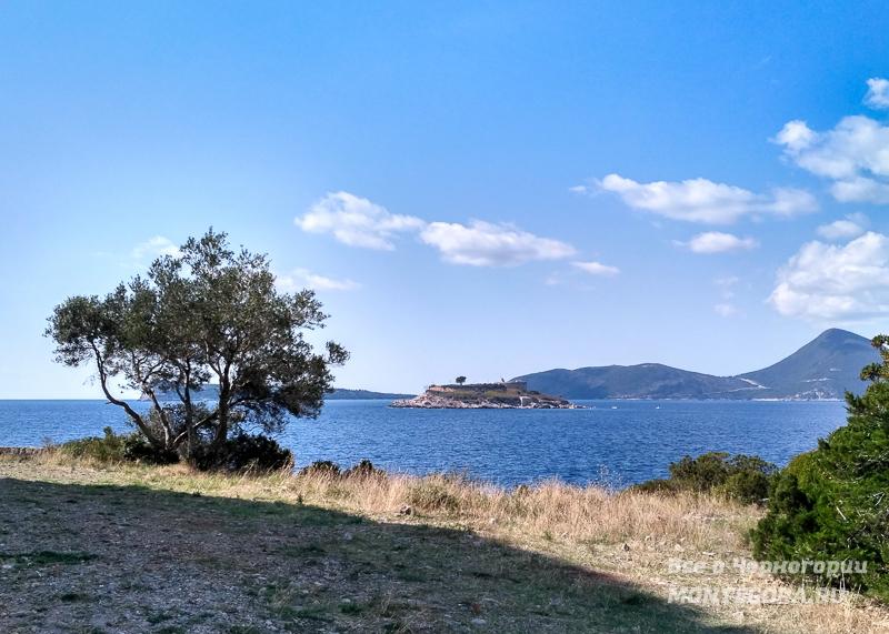Крепость Мамула в заливе