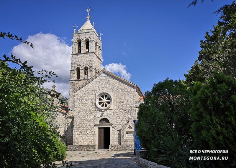 Топ достопримечательностей в Черногории с красивой архитектурой