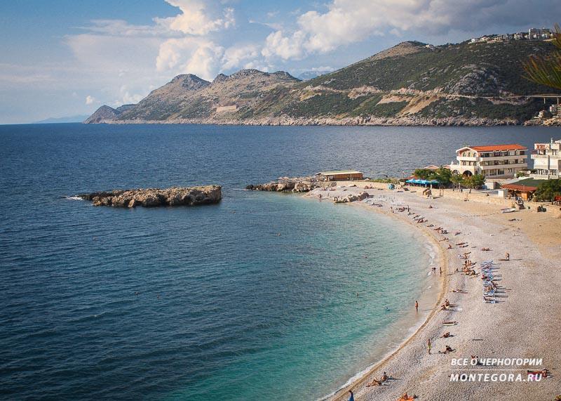 Пляж Добра Вода в сентябре