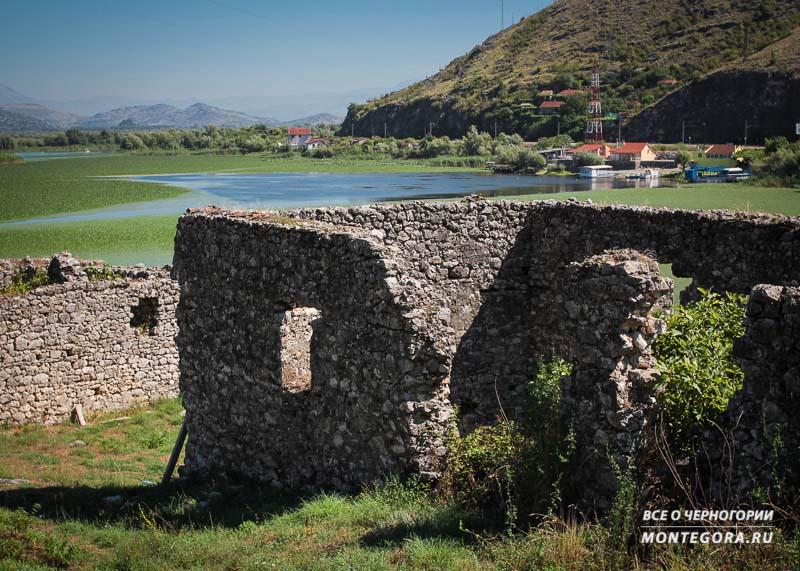 Что интересного находится около крепости Лесендро