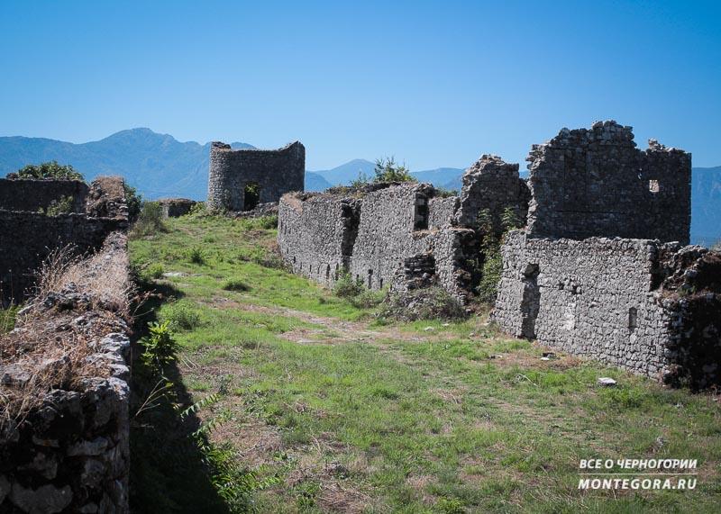 Что находится в крепости Лесендро