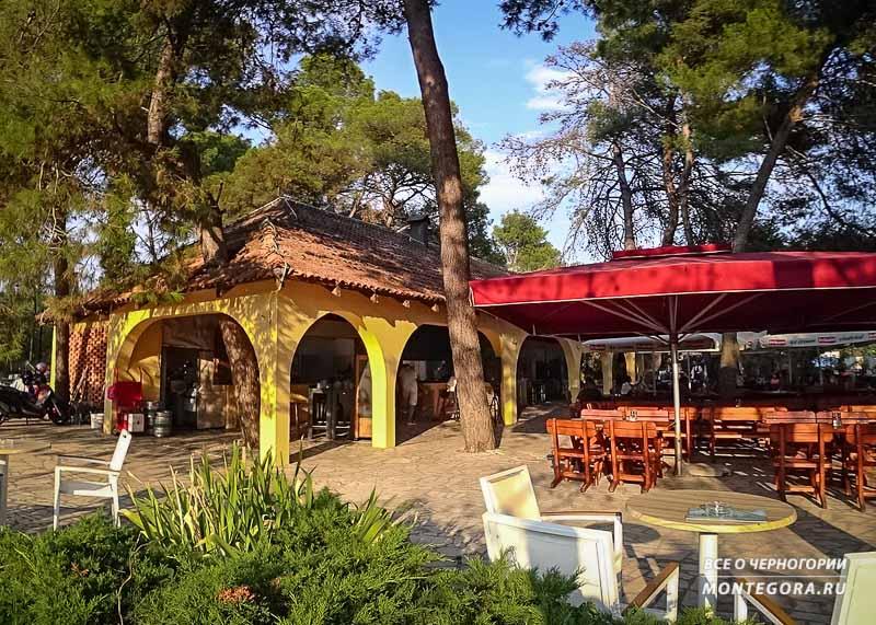 Что можно перекусить на пляжах в Черногории