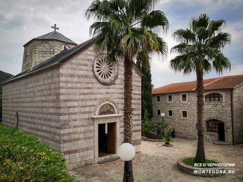 Достопримечательности и религия в Черногории