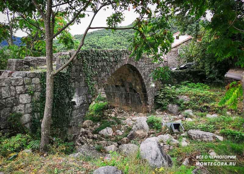 Достопримечательности прошлых веков в Черногории