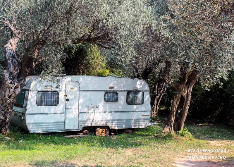 Где найти место для проживания около пляжей в Черногории
