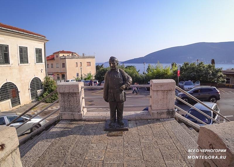 Где можно найти интересный фон для фото в Черногории