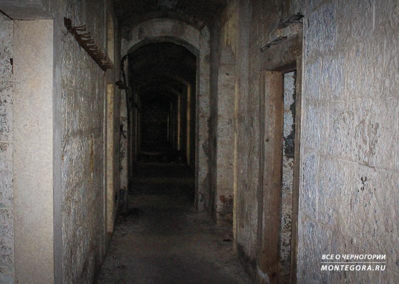 Здание крепости Врмац заброшено и стоит ли идти