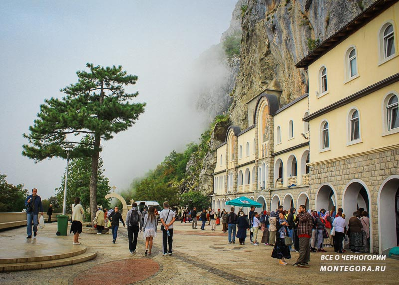 Как добраться до Черногорского монастыря Острог