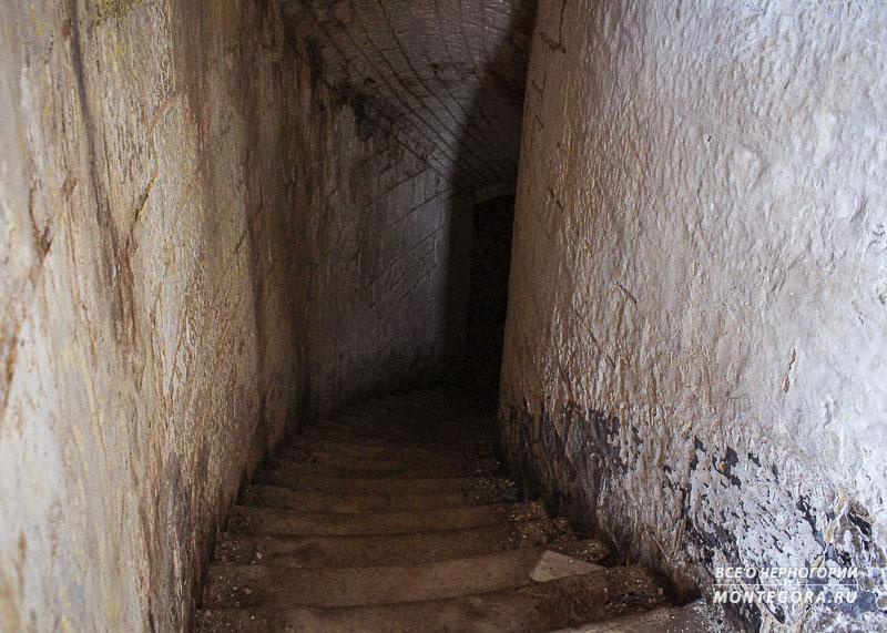 Из чего состоит крепость Горажда в Черногории